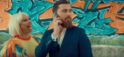 """""""Do ta luaj""""/ Ronela Hajati publikon klipin e ri! Këngëtarja ka NDRYSHUAR aq sa nuk njihet… (VIDEO)"""