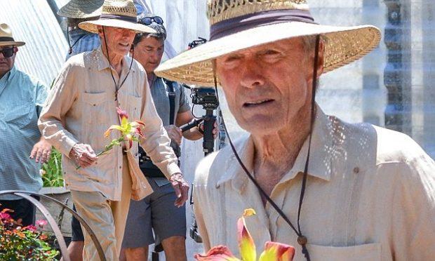 """""""Kur pasioni të mban gjallë""""/ Clint Eastwood i rikthehet aktrimit në moshën 88-vjeçare (FOTO)"""