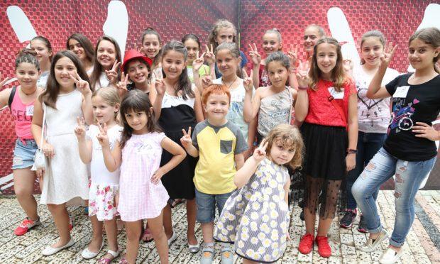 """""""The Voice Kids"""", pjesëmarrje e madhe në Tiranë edhe në audicionet e ditës së dytë!"""