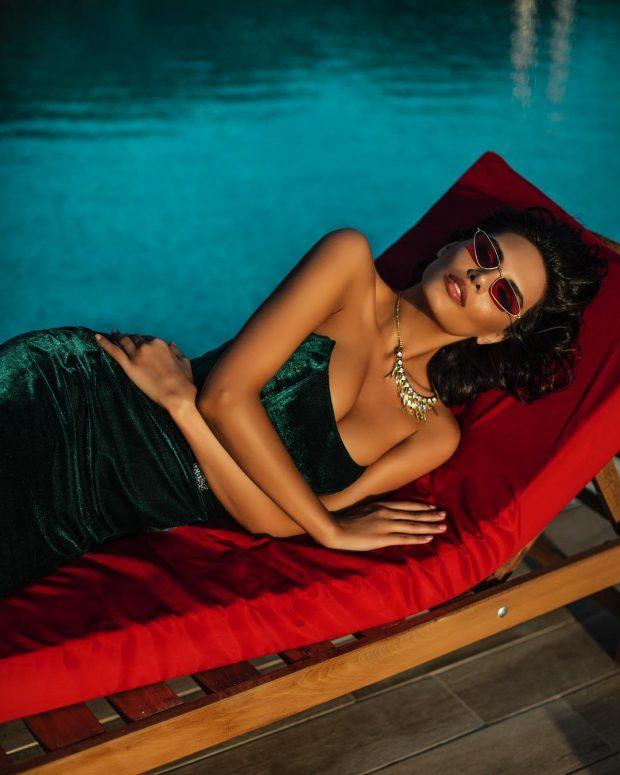 S'ka photoshop! Almeda Abazi rrezaton në setin e ri të fotove dhe ne e dimë sekretin e saj