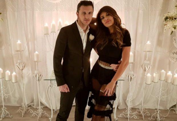 Dragos nuk kursehet me surpriza/ Angela Martini tregon unazën me diamant në instagram (FOTO)
