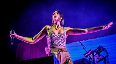 ARRIN NJË TJETËR SUKSES/ DUA LIPA është këngëtarja e parë ndërkombëtare që këndon në Tomorrowland (VIDEO)