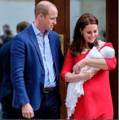 """Xhaxhi Harry i dhuron nipit të vogël librin """"Winnie The Pooh"""", që kushton 8 mijë paund"""