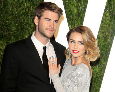 MORI FUND/ Mily Cyrus dhe Liam Hemsworth ndahen pak përpara dasmës (FOTO)