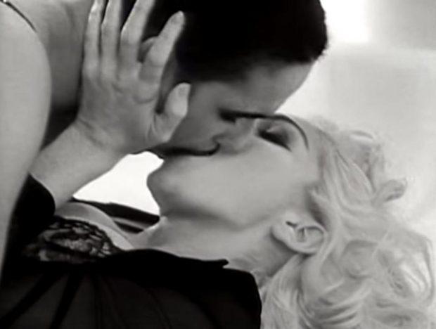 """U puthën me pasion në videoklip/ Super modelja rrëfen: """"Madonna ishte e çmendur pas meje"""" (FOTO)"""