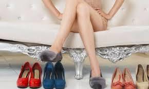 JEMI NË SEZONIN E DASMAVE / Ja disa modele këpucësh që do t'iu bëjnë të ndiheni  më rehat (FOTO)