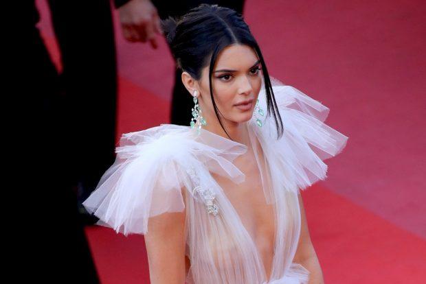 Kendall Jenner shfaqet në koncertin e ish-të dashurit por gjestet që ajo bëri tregojnë se…