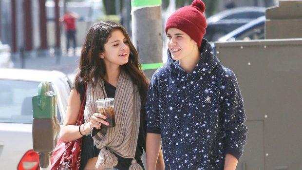 Si reagoi Selena Gomez pas fejesës së Justin Bieber? Kjo foto flet më shumë se 1000 fjalë