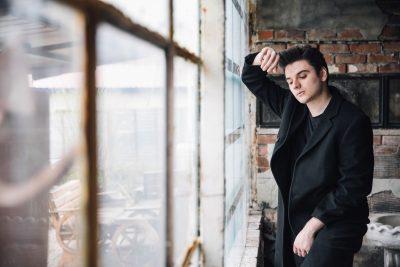 Njihuni me Albin Hasanin! Shqiptari i suksesshëm që po mahnit turqit me muzikën e tij