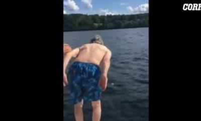Vitet nuk kanë rëndësi/ Feston 102-vjetorin me një super zhytje në liqen (VIDEO)