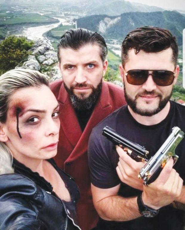 Flet aktori i famshëm shqiptar: Ndërkohë që artistët e huaj vdesin nga droga, ne vdesim nga uria
