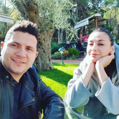 Ermal Mamaqi i prish setin e fotografive Amit, komentuesit e KRYQËZOJNË me komente: Do flesh në divan (FOTO)