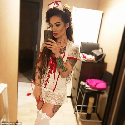 """Njihuni me infermieren ruse që po """"çmend"""" rrjetin! 26 vjeçarja është shumë…"""