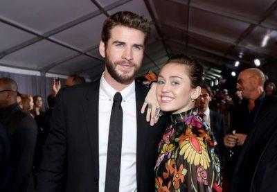 ISHIN THJESHT THASHETHEME/ Miley Cyrus dhe Liam Hemsworth janë bashkë dhe të lumtur (VIDEO)
