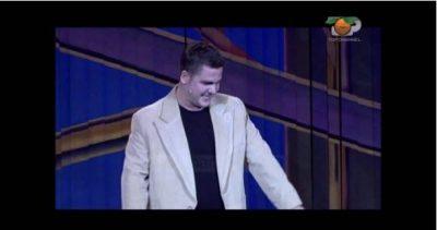 Gent Zenelaj tregon incidentin në skenë teksa imitonte Arian Çanin: Thashë se vdiqa…