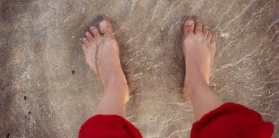 U mbyt 18 muaj më parë, gruaja shfaqet e gjallë në mes të plazhit