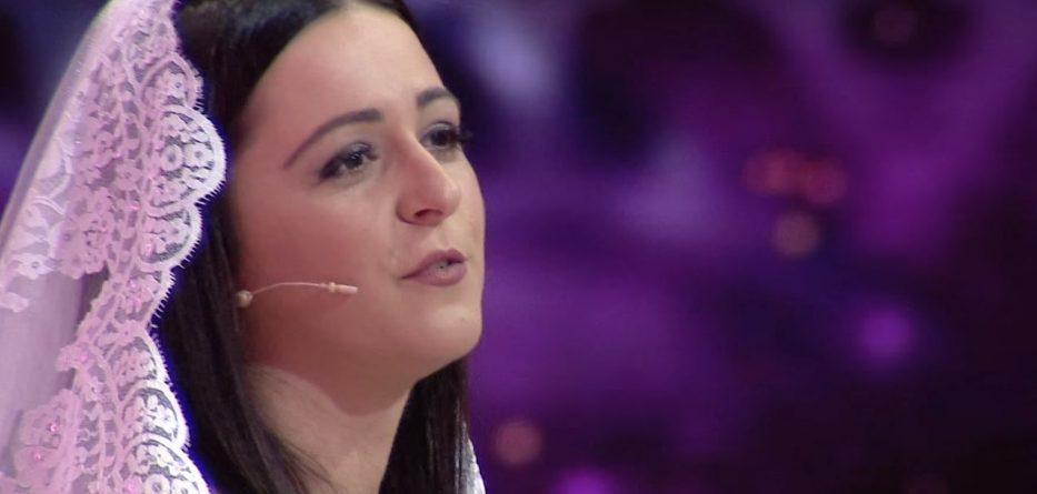"""HISTORIA E """"HIRUSHES"""" SHQIPTARE/ Klaudia nga Durrësi: Nuk e dija që burri im ishte MILIARDER në…"""