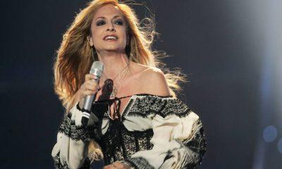 Mesazhi prekës i këngëtares së famshme greke: Keqardhje… (FOTO)