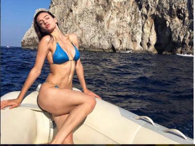 NJË BOMBË/ Klaudia Pepa nis pushimet dhe sapo dogji Instagram-in me FOTON me bikini