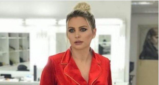Klodiana Shala rrëfen: Në Shqipëri duhet të martohesh për hir të mamit…