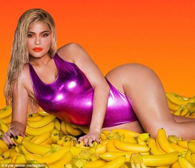 Kylie Jenner veshi rroba banje si të Luanës dhe i vuri vulën trendit numër 1 të verës