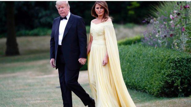 Të gjithë mbetën pa fjalë! Fustani i Melania Trump në pritjen në Britani është përrallor (FOTO)