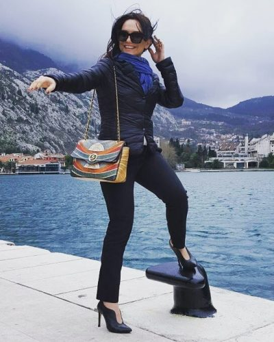 Moderatorja e famshme shqiptare qenka martuar dje dhe askush nuk DINTE gjë (FOTO)