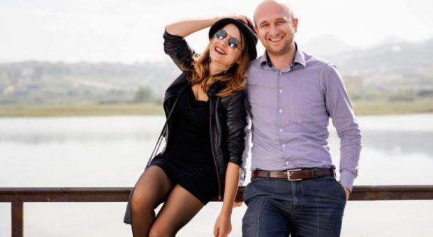 Këngëtarja shqiptare rrëfen pse nuk tregon bashkëshortin në Instagram: Kam frikë se ma marrin…