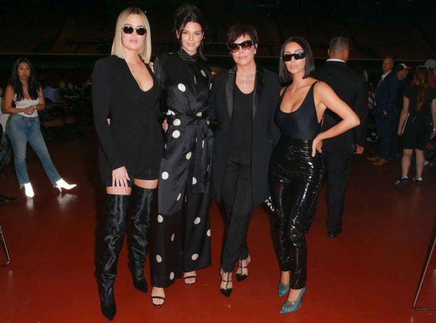 MË E MIRË E ËMA SE TË BIJAT!/ Kris Jenner publikon foton e nxehtë