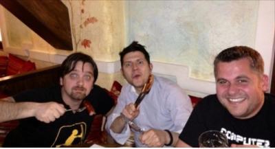 """Tre pjesëtarët e """"SHBLSH""""-ave në Tv Klan/ A do të ribashkohen? Flet Gent Zenelaj: Kurrë mos thuaj…"""
