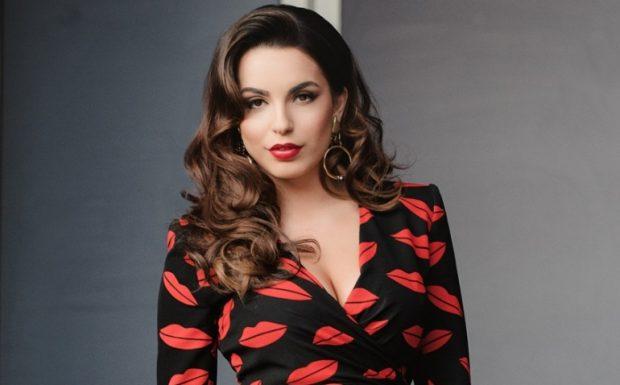 Jo vetëm modelet e huaja, por edhe Armina Mevlani na ka treguar kohë më parë se ky do të jetë trendi i vitit