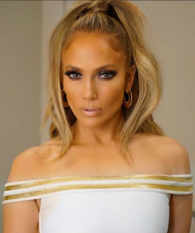 RINI E PËRJETSHME/ Jennifer Lopez ju tregon se si mund ta arrini: Ushqimi duhet me…(FOTO)