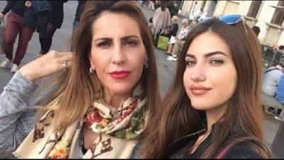 """""""DUKESH SI 40 VJEÇ""""/ Majlinda Bregu dhe e bija revoltohen me komentuesen: Na paska fy rëndë (FOTO)"""