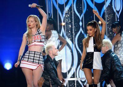 Ariana Grande ka teorinë e saj në lidhje me organin gjenital mashkullor dhe këtë sapo e zbuloi Iggy Azalea