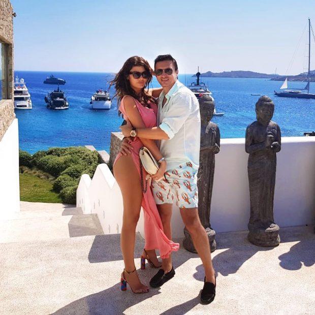 Thoni ç'të doni por Angela Martini po i kalon pushimet me Eros Ramazzotti-n (VIDEO)