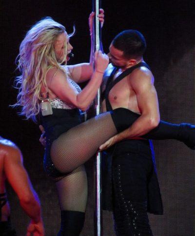 "Britney Spears ""ndez"" Londrën/  Performanca e fundit manhit fansat (FOTO)"