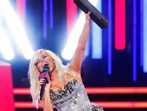 """PAS PERFORMANCËS FANTASTIKE/ Bebe Rexha """"rrëmben"""" çmimin AMERIKAN për duetin më të mirë"""