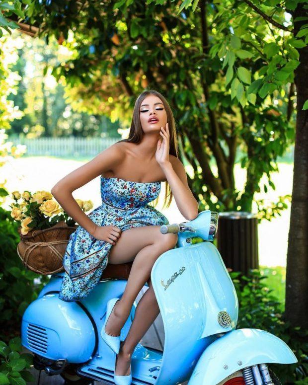U bë nënë në moshën 21-vjeçare/ Modelja shqiptare na tregon si duket dy muaj pas lindjes (FOTO)