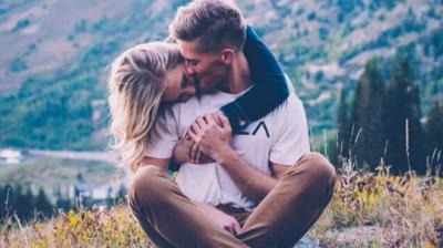 Seksi në natyrë/ Një kombinim romantik dhe zbavitës për çiftet (FOTO)