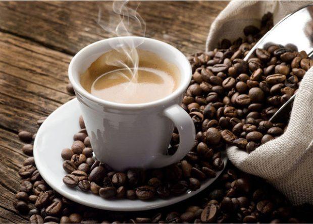 Nëse akoma nuk e dinit/ Tani mund të dobësoheni vetëm duke pirë kafe…