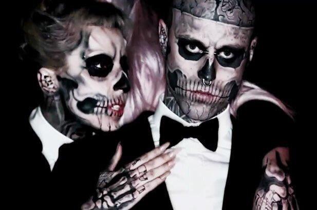 """Lady Gaga kërkon falje: Fola para kohe për vdekjen e """"Zombie Boy"""" (FOTO)"""