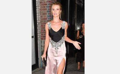 PAS LINDJES SË DJALIT/ Modelja shfaqet më SEKSI se kurrë me fustan (FOTO)