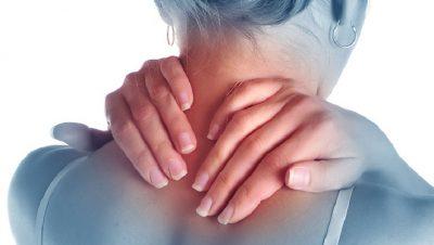 Ngrirja e shpatullës, ushqimet dhe trajtimet për largimin e dhimbjeve