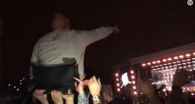 Nuk shihte dot koncertin e Oasis se ishte në karrige me rrota, miqtë e ngrenë në krahë