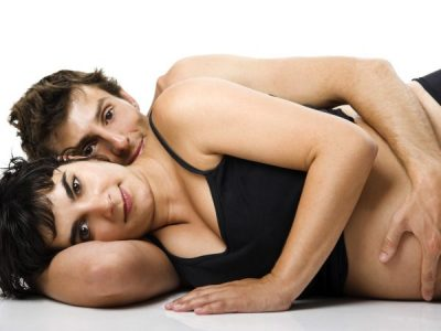 NDËRLIKIMET EDHE RREZIKSHMËRIT/ Ja çfarë ndodh me fëmijën kur bëni seks në shtatzëni