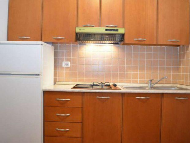 Si të pastrojmë aspiratorin e kuzhinës për 3 minuta