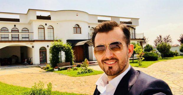Për tu marrë shembull/ Labinot Tahiri i fal rrogën familjeve në nevojë dhe këngëtares shqiptare (FOTO)