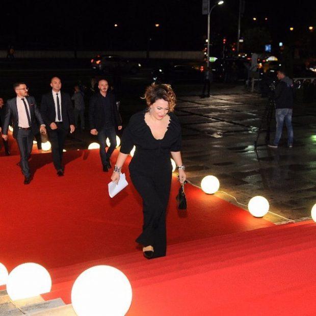 """Një tjetër lëvizje në ekranin shqiptar/ Moderatorja e njohur i bashkohet """"Top Channel"""" (FOTO)"""