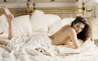 Çfarë pëlqejnë VIP-at… në krevat! Nga Angelina Jolie tek Eva Longoria dhe…