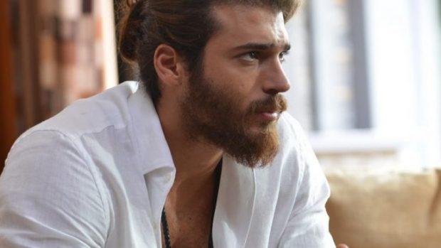 PRANOI PREJARDHJEN SHQIPTARE/ VIDEO: Aktori turk më i pëlqyer nga femrat tregon se çfarë i…